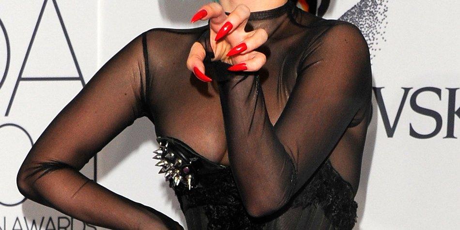 Lady Gaga: Sie singt nackt!