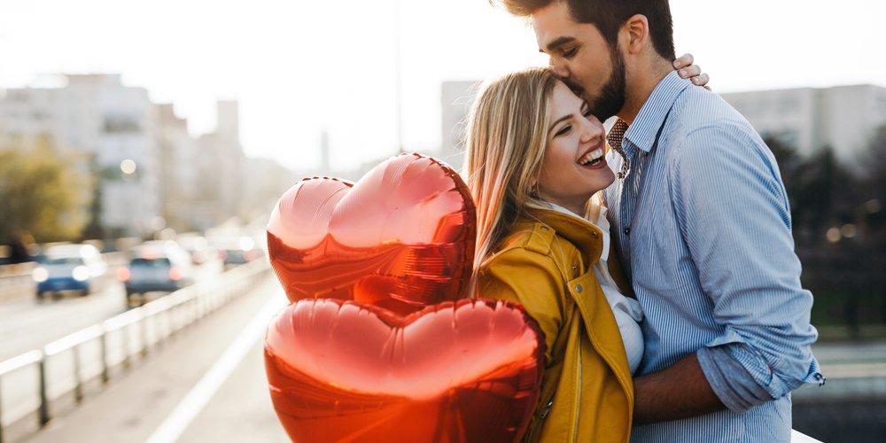 Warum es nicht stimmt dass der Valentinstag bloß Kommerz-Kacke ist und warum es sich sogar lohnt, ihn als schöne Sache zu betrachten, erfährst du hier.