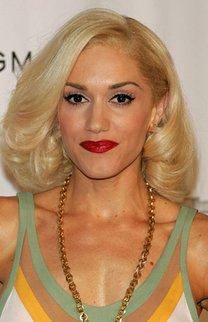 Gwen Stefani mit Retro-Fönfrisur