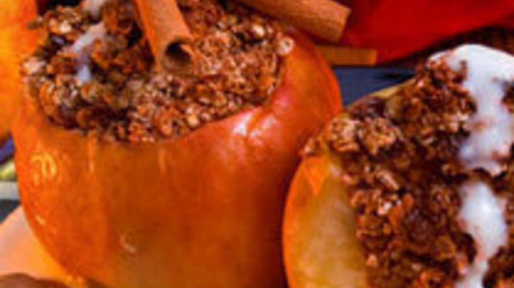 Duftende Bratäpfel aus dem Ofen