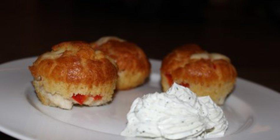 Herzhafte Muffins mit Hähnchen