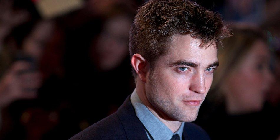 Robert Pattinson lässt sich von eisigen Temperaturen nicht beeindrucken