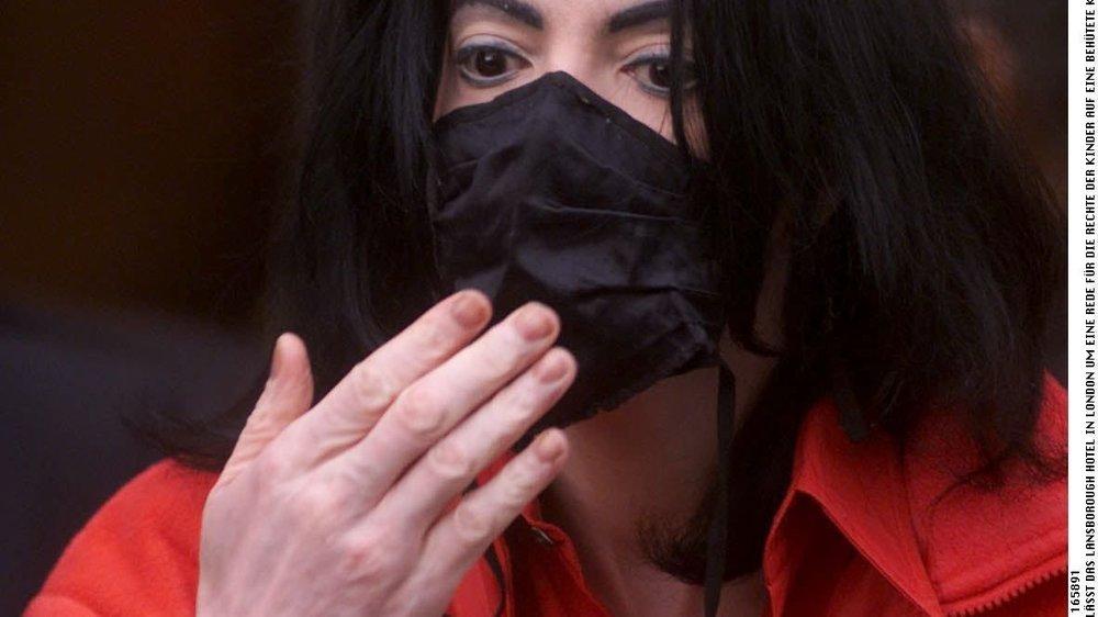 Michael Jackson: Mundschutz kommt unter den Hammer