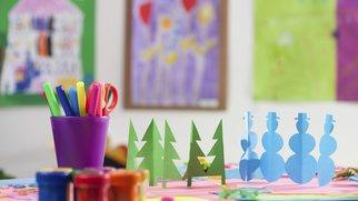 Zu Weihnachten im Kindergarten wird viel gebastelt