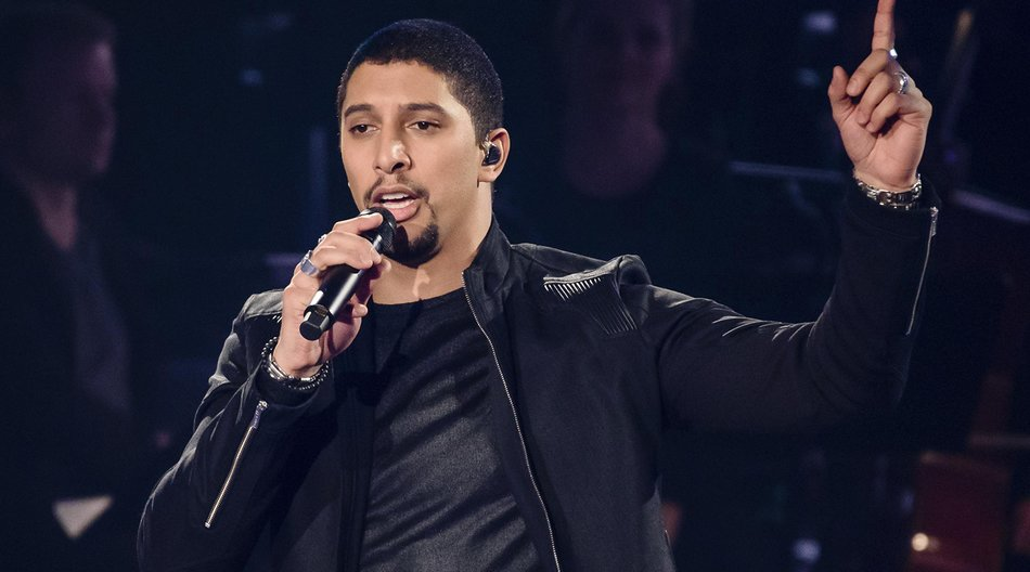 BERLIN, GERMANY - DECEMBER 03: Andreas Bourani performs during the The Voice Of Germany - 1st Live Show on December 3, 2015 in Berlin, Germany. (Photo by Clemens Bilan/Getty Images)