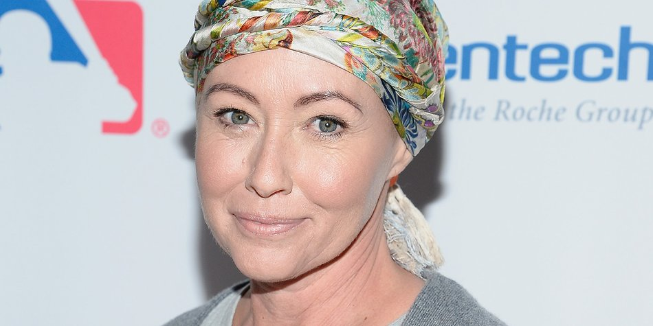 LOS ANGELES, CA - SEPTEMBER 09: Shannen Doherty attends Hollywood Unites for the 5th Biennial Stand Up To Cancer (SU2C), A Program of The Entertainment Industry Foundation (EIF) at Walt Disney Concert Hall on September 9, 2016 in Los Angeles, California. (Photo by Kevork Djansezian/Getty Images)