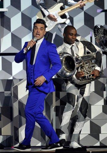 Robbie Williams setzte auf einen blauen Anzug.