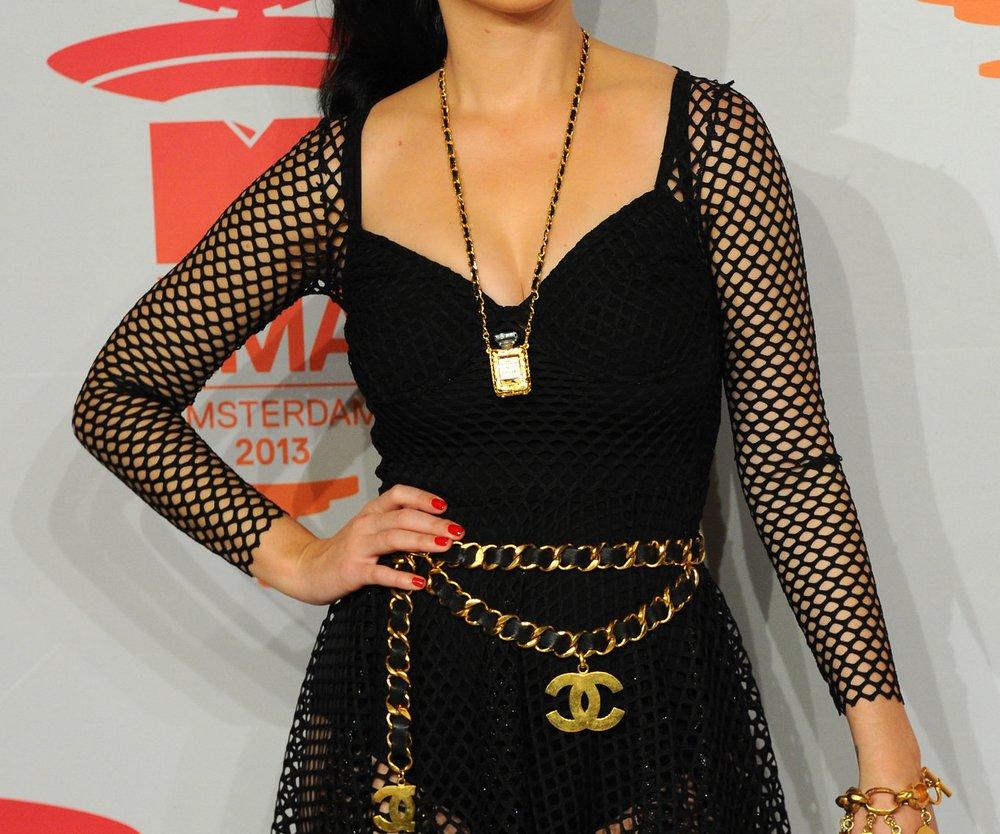 Ist Katy Perry verlobt?