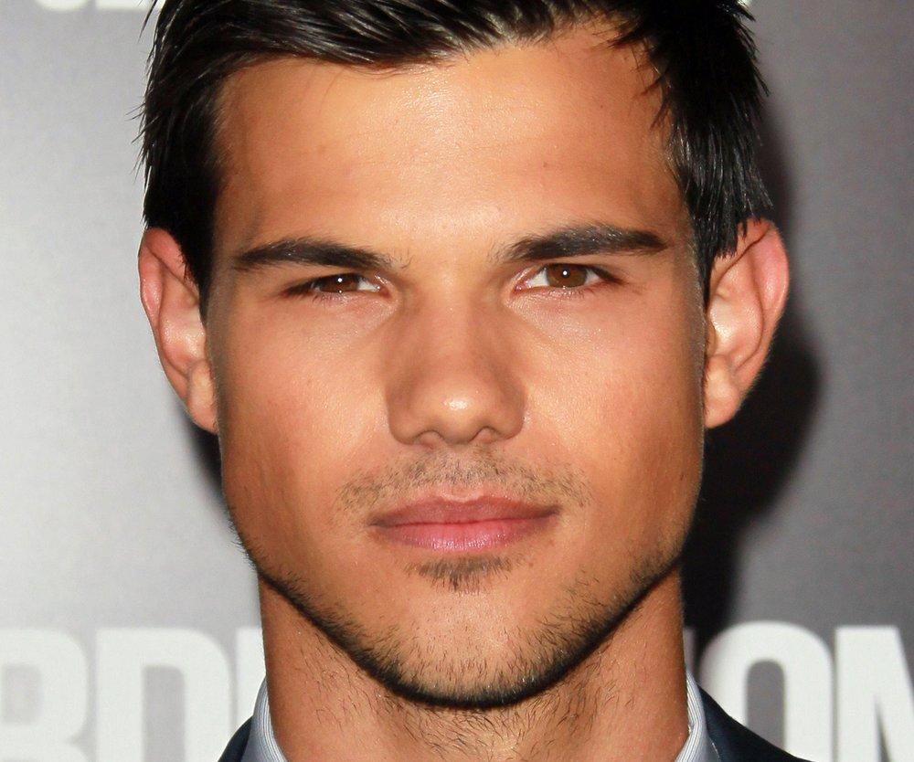 Taylor Lautner in Atemlos