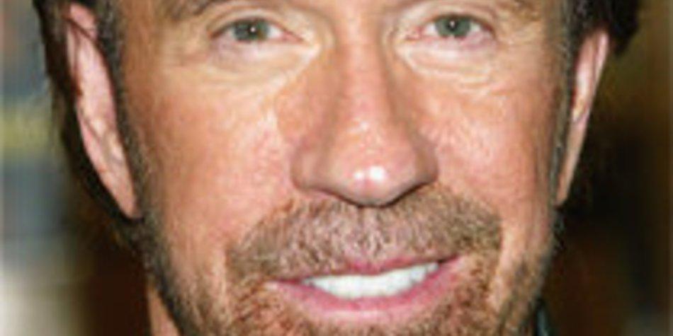 Chuck Norris wurde zum echten Texas Ranger ernannt