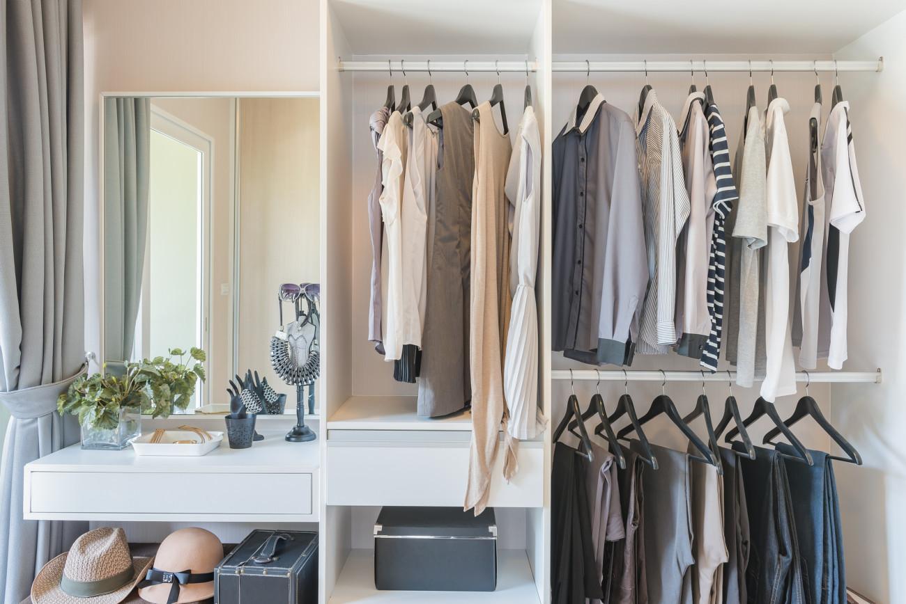 Begehbarer kleiderschrank ideen diy  Begehbarer Kleiderschrank: Ideen zum DIY-Bauen | erdbeerlounge.de