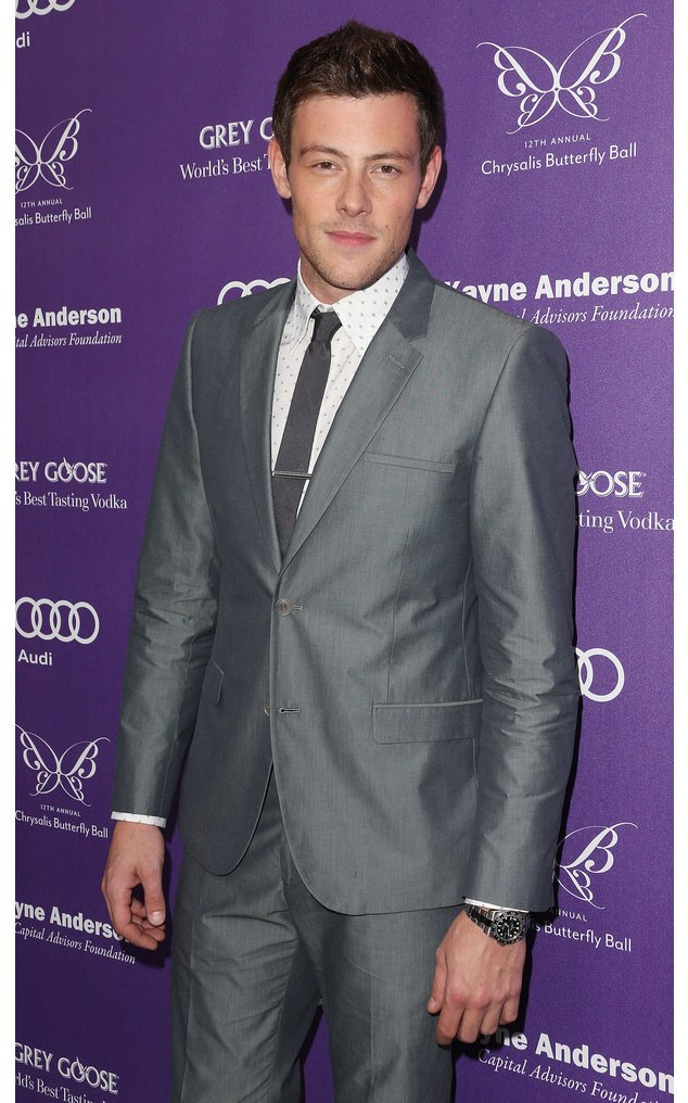 Cory Monteith im Anzug