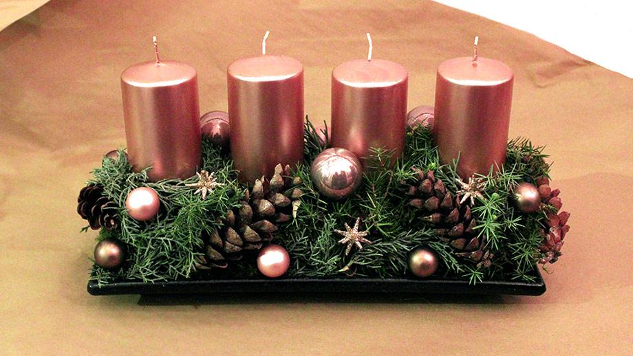 weihnachts workshop so gelingt ihnen ihr eigenes adventsgesteck. Black Bedroom Furniture Sets. Home Design Ideas