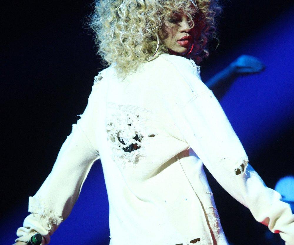 Rihanna verkaufte über 15 Millionen Platten