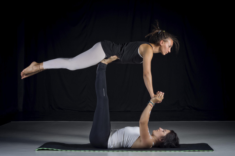 Acro Yoga: Für mehr Fitness und Vertrauen | erdbeerlounge.de