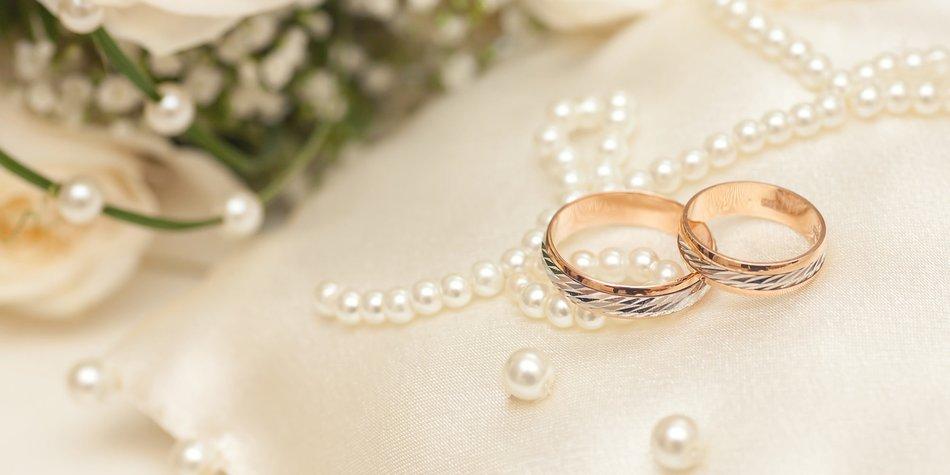 Perlenhochzeit: Geschenke zum 27. Hochzeitstag | desired.de