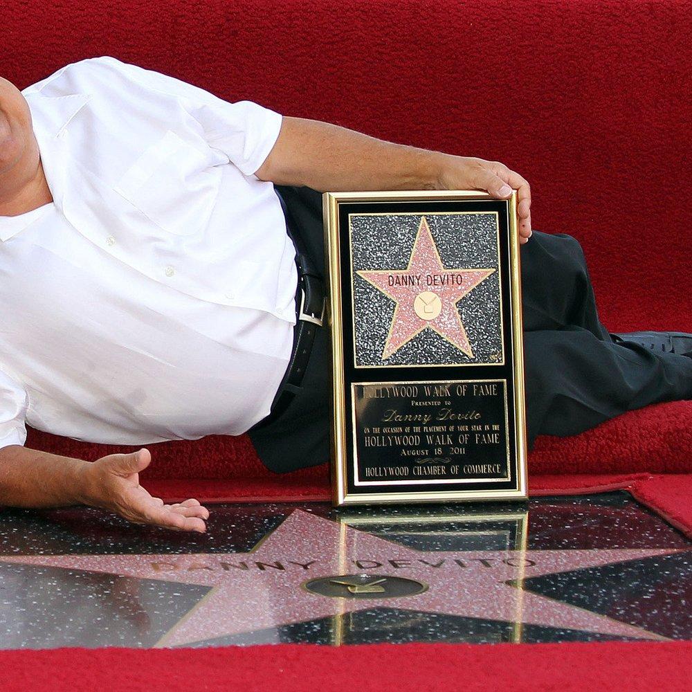 Danny DeVito bekommt Stern