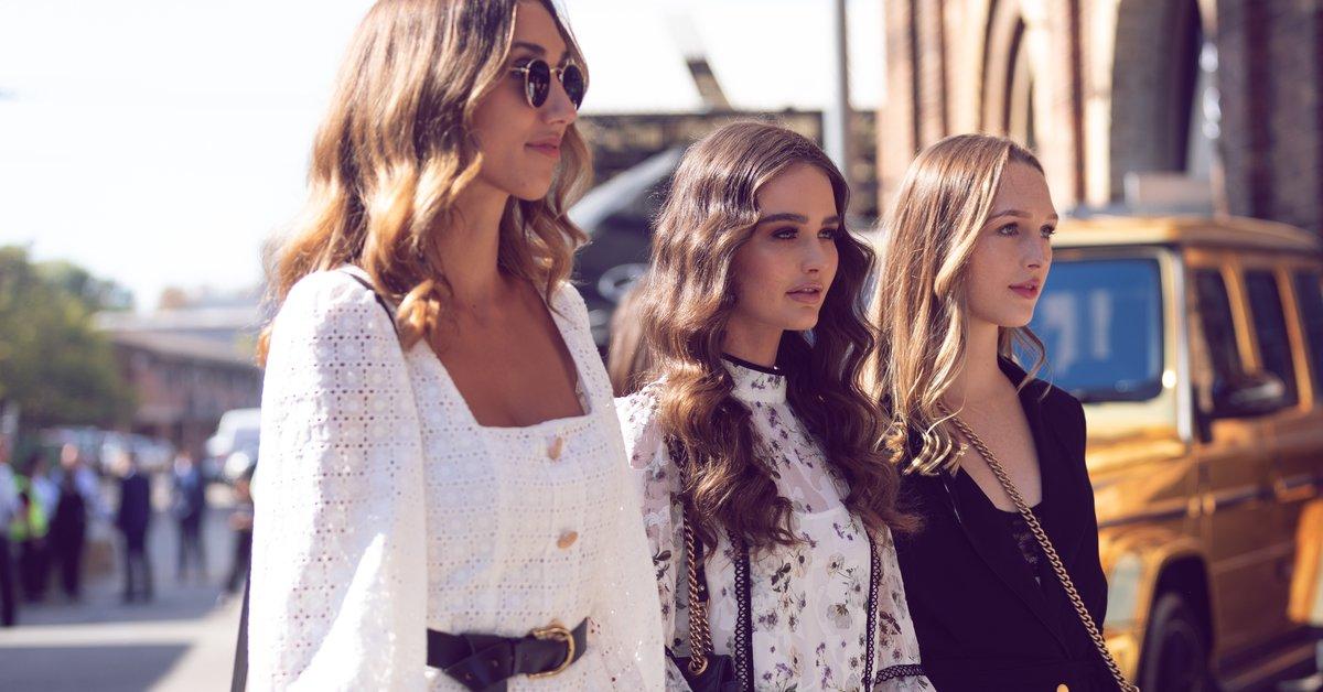 Frauen kleine zierliche mode für Styling