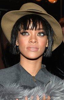 Rihanna: Fransiger Bob mit Hippie Hut