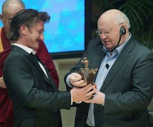 Sean Penn erhält Preis des Friedensgipfels