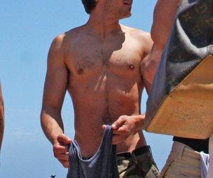 Zac Efron oben ohne