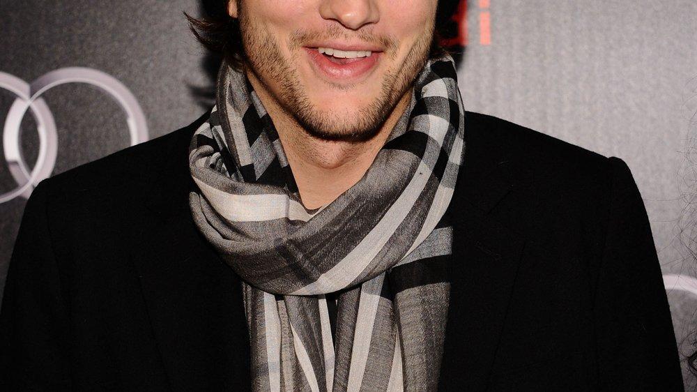 Ashton Kutcher renoviert für seine Mama