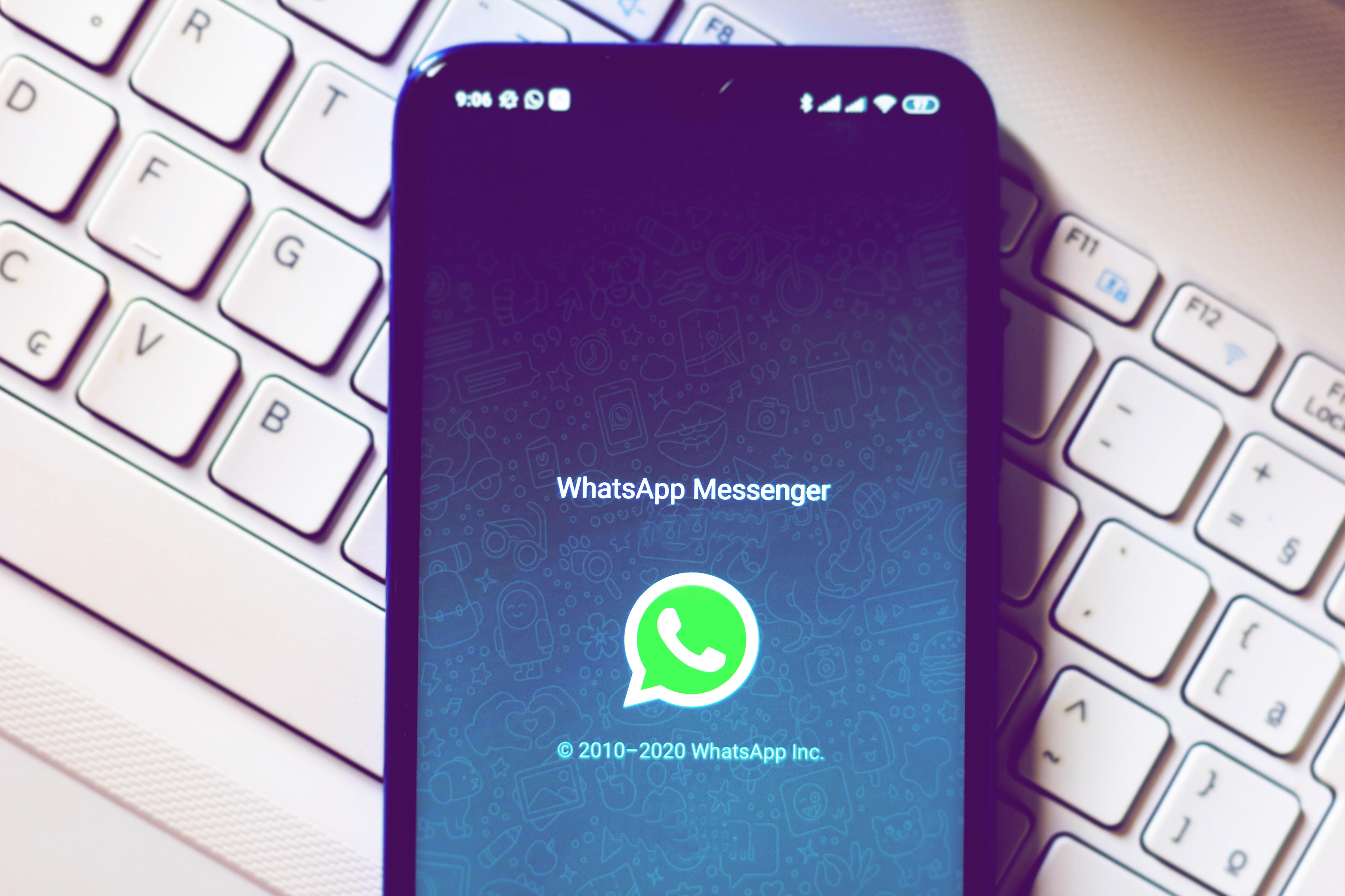 Wegen Corona-Fake-News: WhatsApp begrenzt Weiterleitungen | desired.de