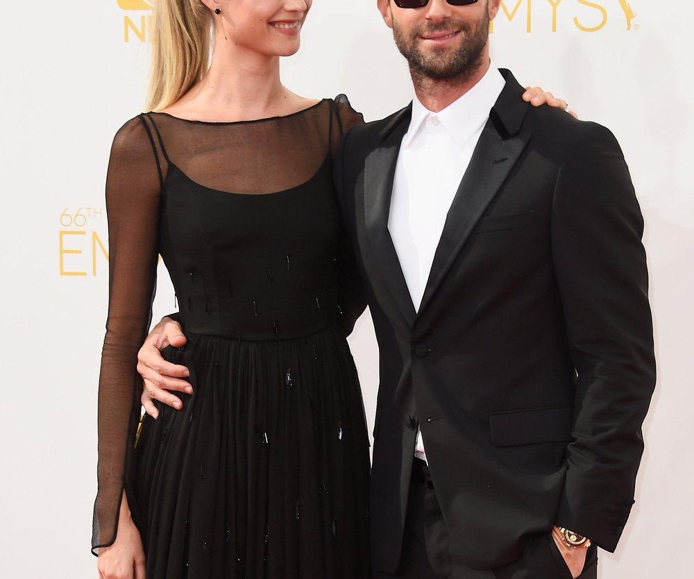 Adam Levine: Behati Prinsloo schwärmt von ihrer Verlobung