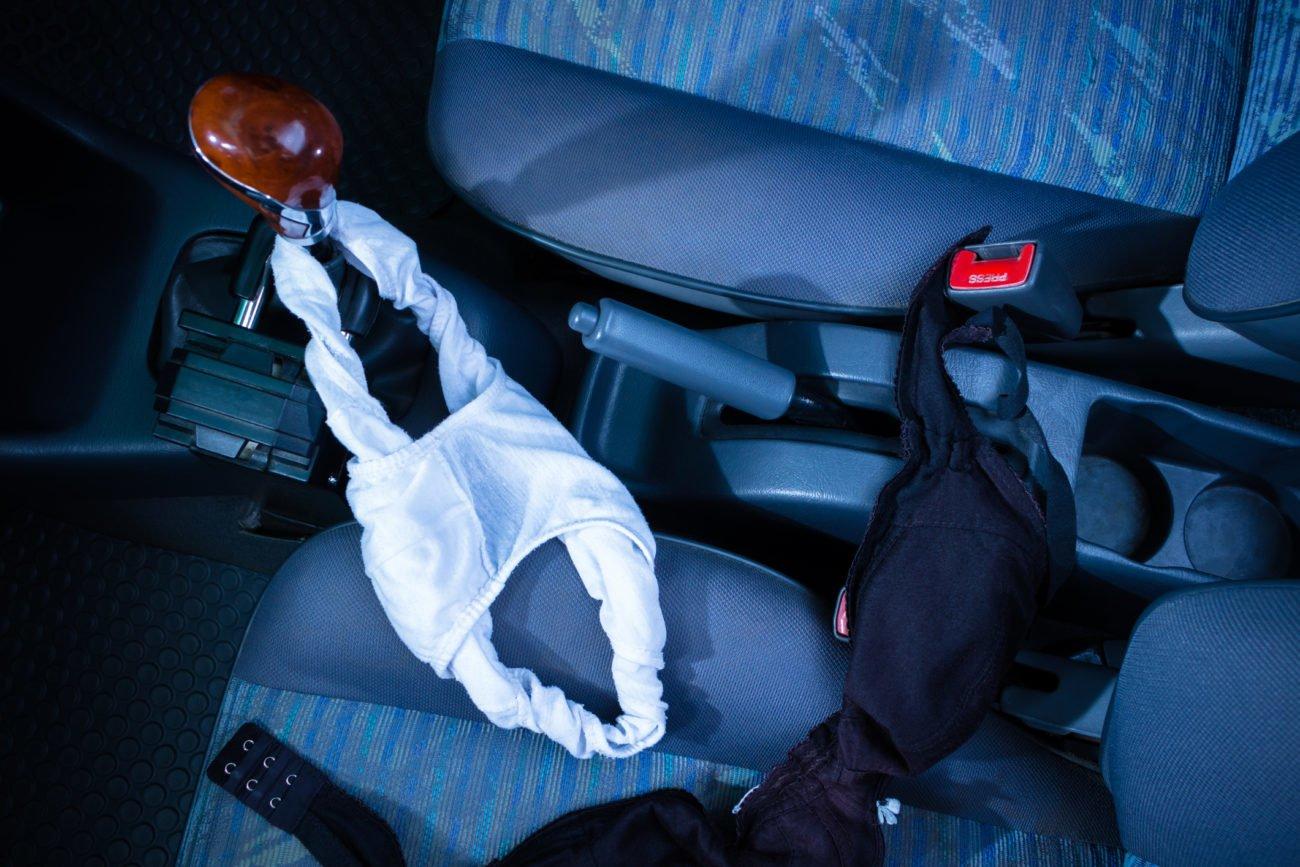 Unterwäsche im Auto