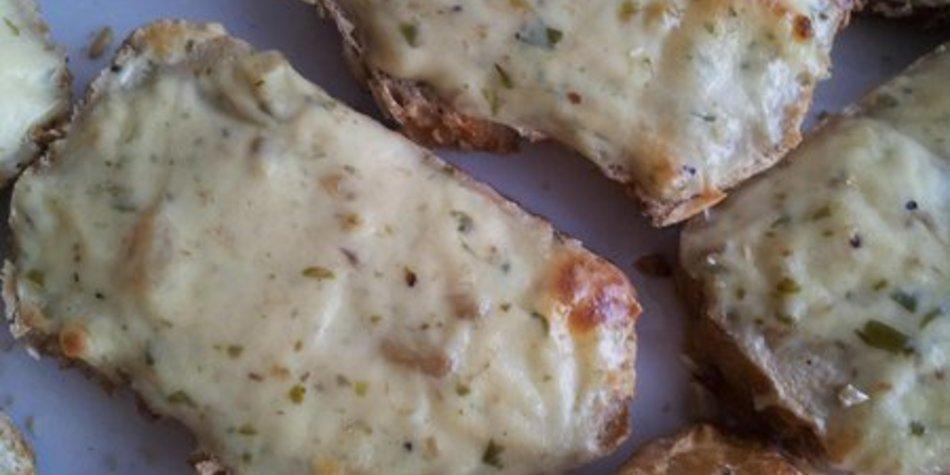 Überbackene Pizzabrötchen