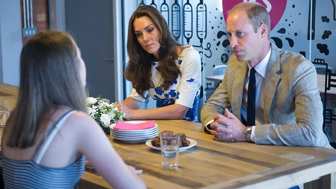 LUTON, ENGLAND - AUGUST 24: Catherine, Duchess of Cambridge and Prince William, Duke of Cambridge visit Youthscape on August 24, 2016 in Luton, England. The Duke and Duchess visited Youthscape at Bute Mills to tour the facility and learn about Youthscape's work, and then meet CHUMS and the OM Group and Luton Council of Faiths and Grassroots for discussions about coping with suicide and supporting young people's mental health and emotional wellbeing across faith groups. (Photo by Eddie Mulholland - WPA Pool/Getty Images)