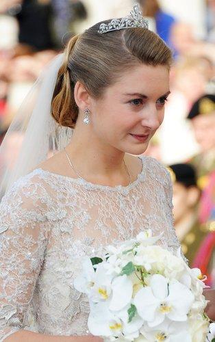Brautfrisur mit Diadem und Schleier