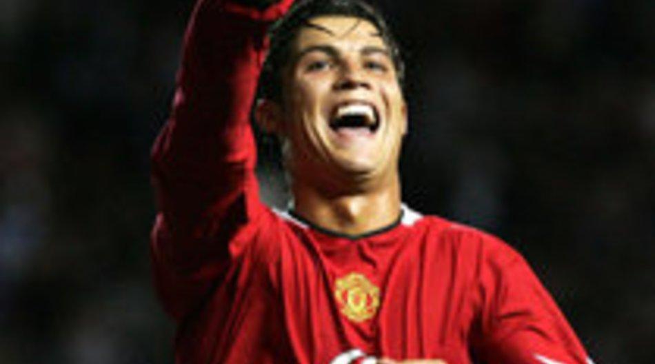 Cristiano Ronaldo wird Armani Model