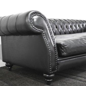 Das Chesterfield Sofa ist bequem und elegant
