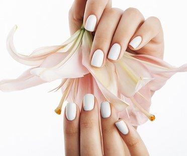 weiße Nägel