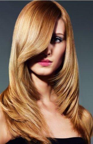 Glatte, lange Haare in edlem Goldblond