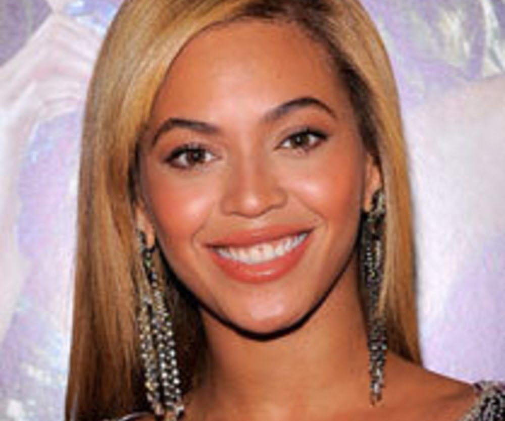 Beyonce präsentiert ihr neues Tattoo