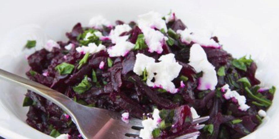 Rote Bete Salat mit Schafskäse