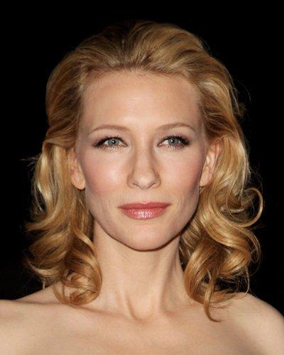 Cate Blanchett trägt schulterlange Locken