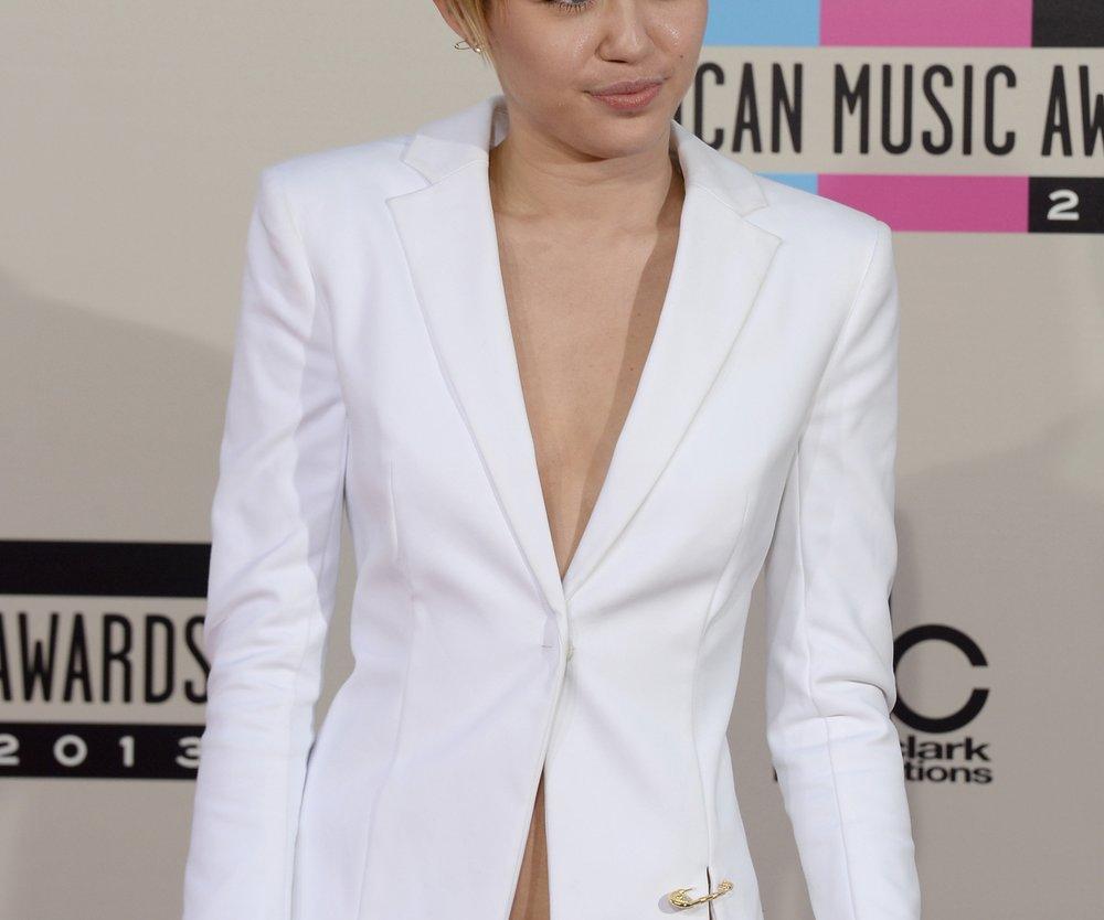 Miley Cyrus: Wird sie endlich von Patricks Familie akzeptiert?