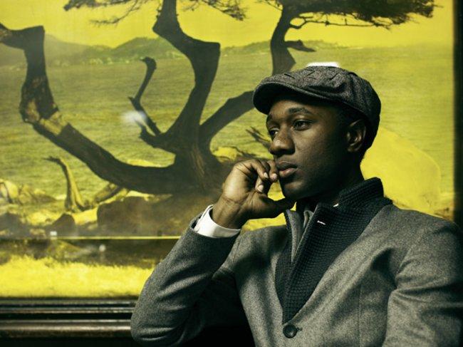 Aloe Blacc im Sakko