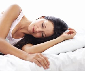 Abnehmen im Schlaf: so funktioniert's doch!