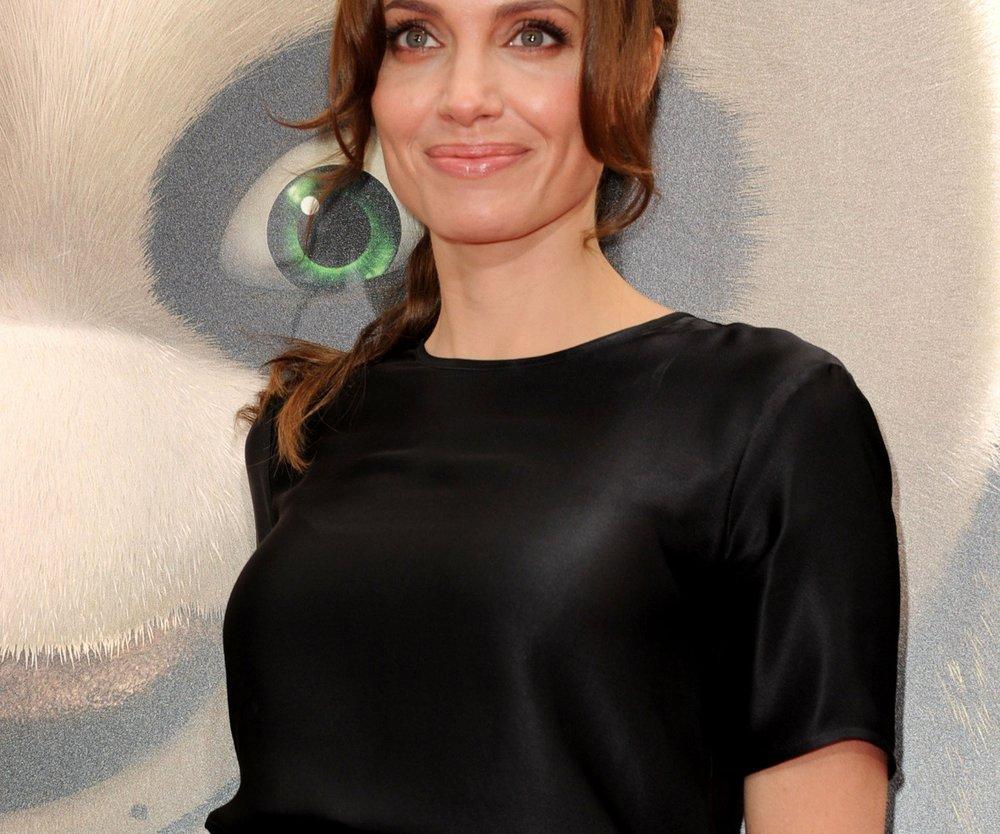 Angelina Jolie isst Insekten