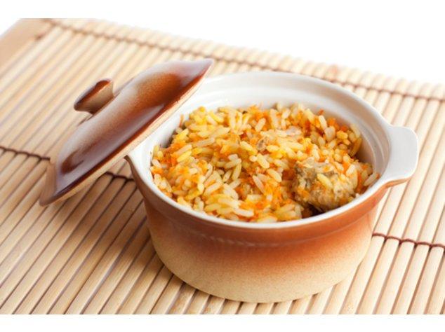 Curryrisotto mit Hähnchenbrust servierfertig