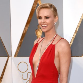 HOLLYWOOD, CA - FEBRUARY 28:  Actress Charlize Theron attends the 88th Annual Academy Awards at Hollywood & Highland Center on February 28, 2016 in Hollywood, California.  (Photo by Jason Merritt/Getty Images)