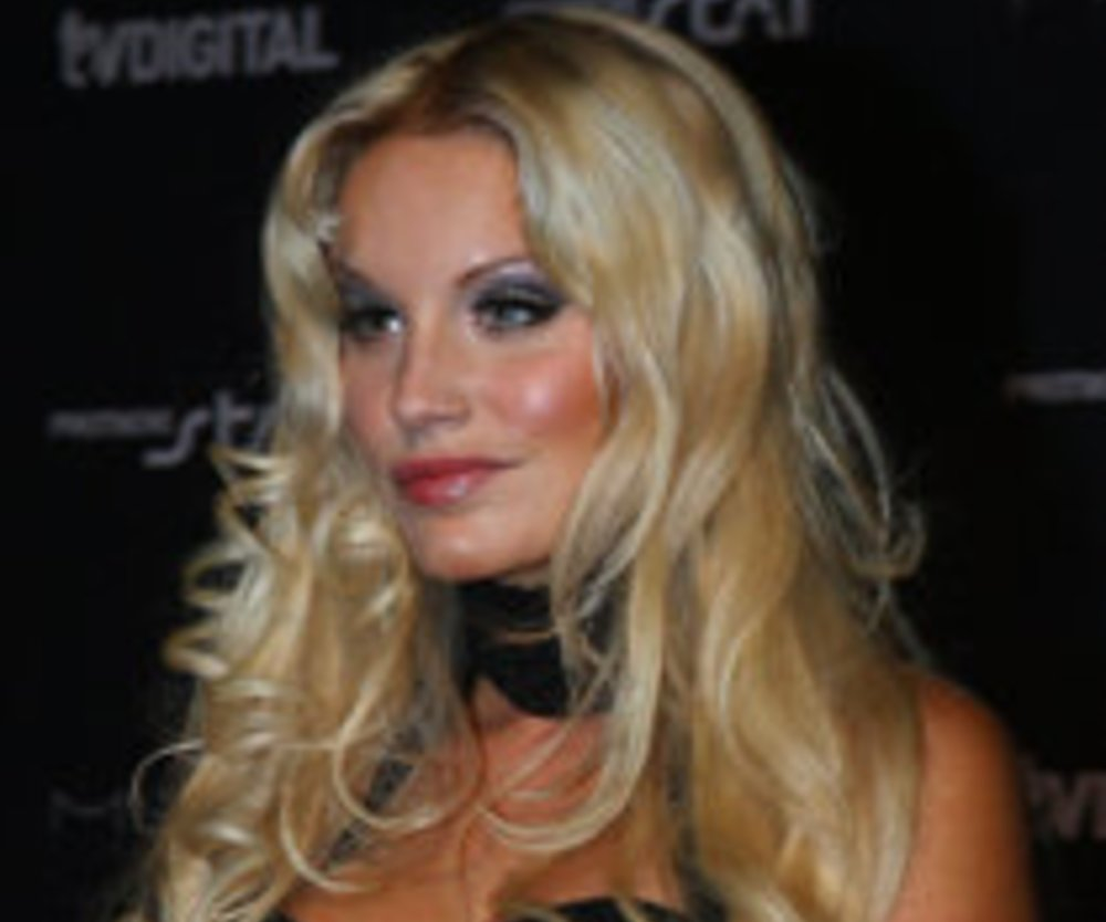 Germany's next Topmodel-Mädchen im FHM-Kalender