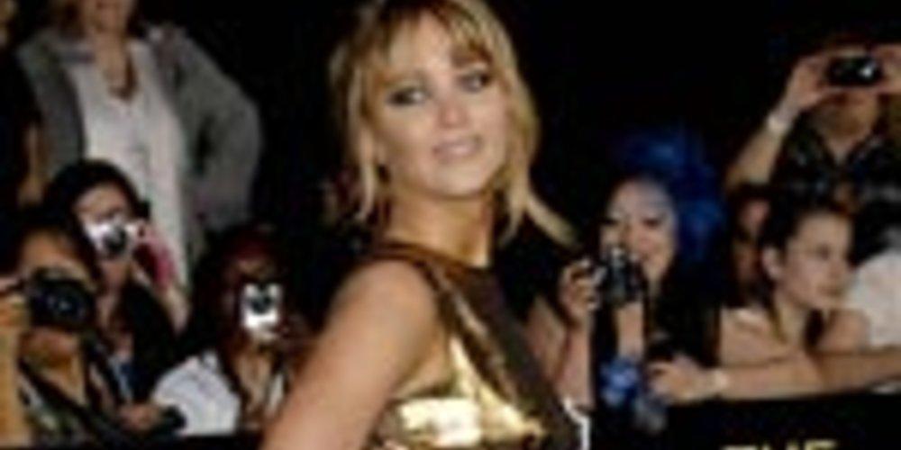 """Platz eins der """"Most Desirable Woman of 2013″ belegt die 22-jährige Schauspielerin Jennifer Lawrence und lässt sogar die """"Sexiest Woman Alive"""" hinter sich."""