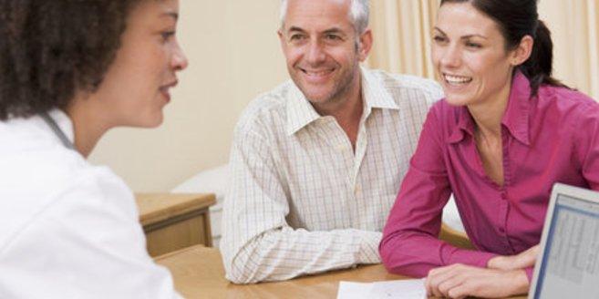 Erektile Dysfunktion: Ein Paar beim Arzt.