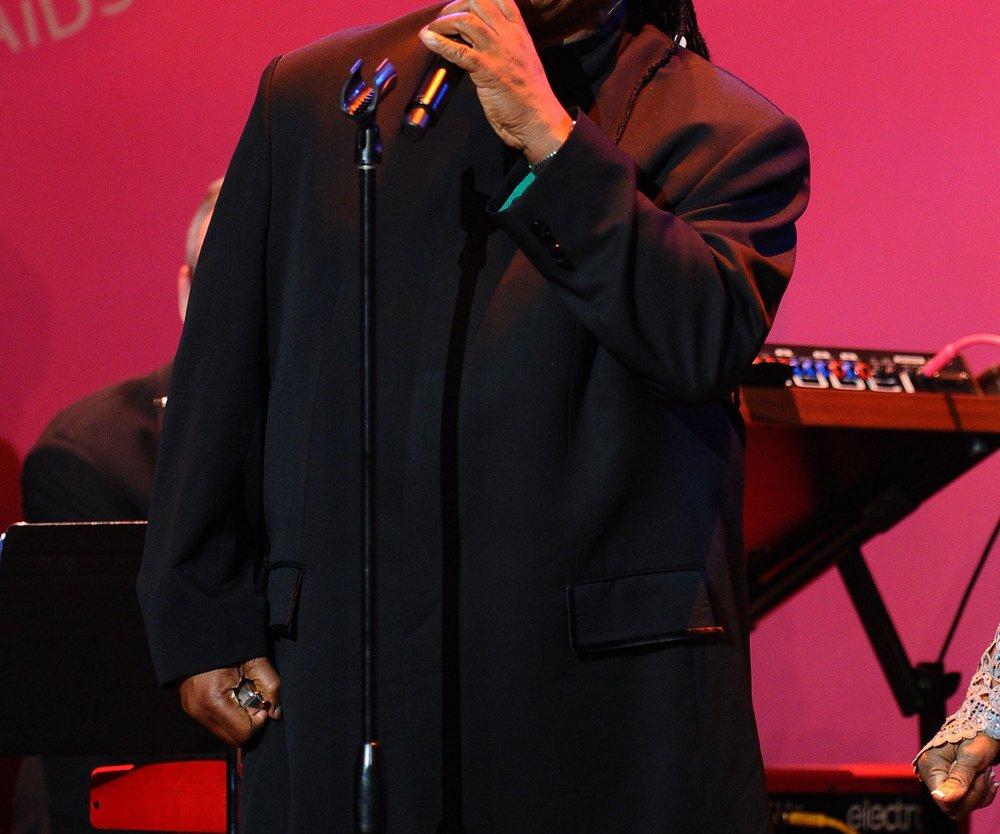 Stevie Wonder moderiert Charity Konzert
