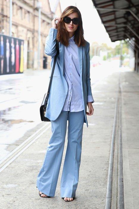 Eine Besucherin der Australian Fashion Week